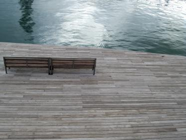 barcelona, boardwalk, wood bench, water