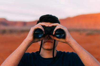 guy, man, male, people, front, binoculars, watch, see, stalk, observe, nature, travel