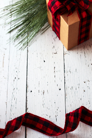 seasonal,   backgrounds,   christmas,   flat lay,   ribbon,   pine,   tree,   festive,   copyspace,   holiday,   red,   merry,   xmas,   background,  box,  gift,  rustic,  wooden