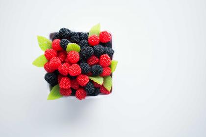berries, raspberries, bowl, fruits, table, white, food, still, leaves, healthy, square