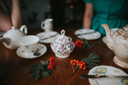 teapot, cup, saucer, spoon, tea, table, leaves, green, porcelain, bread, knife, table