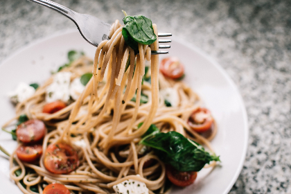 spaghetti,   tomato,  basil,  fresh,  food,  dinner,  meal,  italian,  plate,  fork,  tasty,  herb