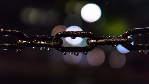 still, items, things, chains, links, rain, water, droplets, light, orbs, bokeh