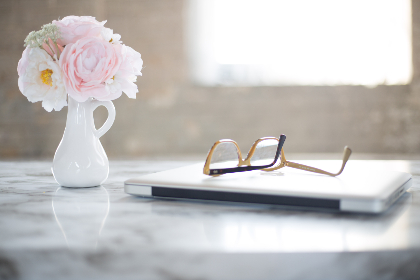 reading,  glasses,  desk,  laptop,   flowers,   office,   table,   marble,   interior,   window,   freelance,   writer,   vase,   decor,  decoration,  computer,  technology