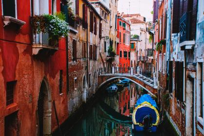 colorful, buildings, window, flower, plants, boat, river, bridge, pathway, italy
