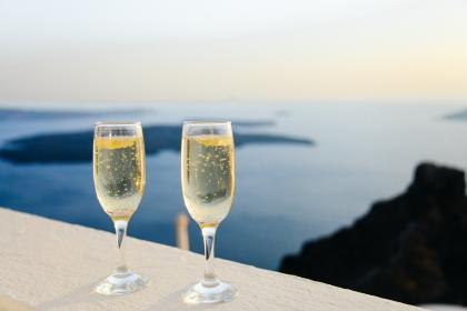 free photo of champaign  sparkling wine