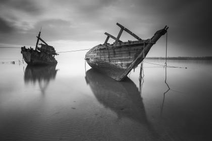 boat, lake, water, nature, black and white view, sky, wood, tourist, rope