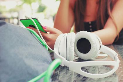 headphones, music, audio, smartphone, objects, technology, mobile