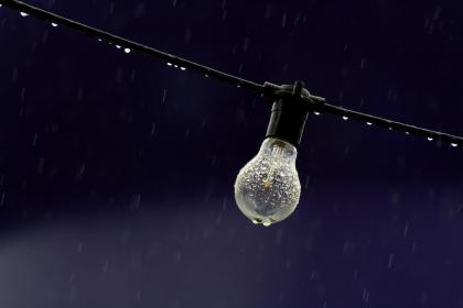 electric, light, bulb, wire, rain, raindrops, water, droplets, bokeh, still