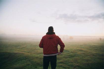 guy, man, jacket, red, hood, grass, field, sky, fog, people