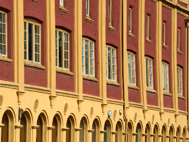 building,   exterior,   city,   urban,   windows,   entrance,   old,   architecture,  ornate,  	brick,   pattern,  design, business