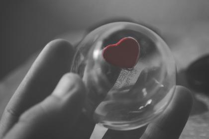 hand, black and white, heart, shape, red, blur