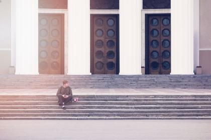 guy, man, male, people, sit, concrete, stairs, fashion, style, architecture, design, building, doors, light, leaks, bokeh, moscow, russia