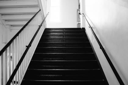 stairwell, stairway, stairs, steps, railing, black and white
