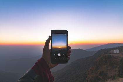 cellphone, mobile, touchscreen, hand, mountains, view, landscape, house, sky, sunset, capture, nature, photography, picture