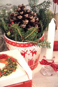 christmas, decorations, decor, festive, holidays, gifts, pine cones, candles, presents
