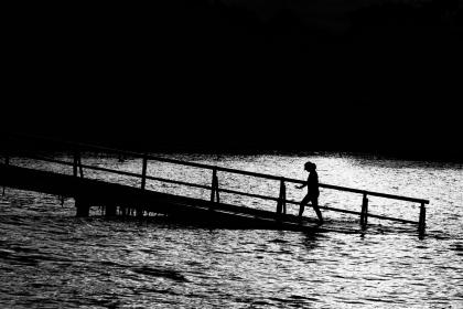nature, water, people, ramp, walking, black and white, grayscale