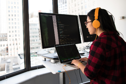 woman,  developer,  office,  monitor,  dual-screen,  code,  programmer,  window,  female,  people,  work
