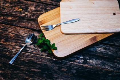wooden, table, wood, chopping, board, spoon, fork, green, leaf, outdoor