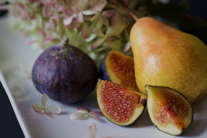 fresh,  figs,  fruit,  pear,  cut,  sliced,  detail,  group,  healthy,  ingredient,  organic,  plate,  raw,  close up,  juicy,  natural,  nutrition,  ripe