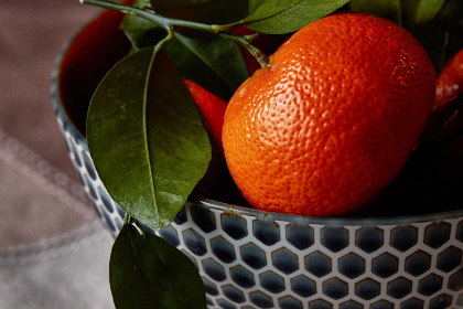 fresh,  orange,  food,  mandarin,  fruit,  bowl,  leaves,  close up,  citrus,  juicy,  basket,  clementines,  tangerine,  green,  healthy