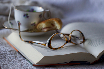 reading,  glasses,  book,  tea,  cup,  lenses,   fashion,   accessory,   close up,   eyeglasses,   object,  close up,  spectacles