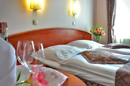 free photo of bed  breakfast