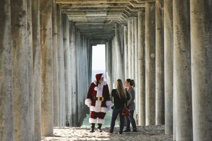 architecture, structure, post, people, girls, talking, women, man, santa claus, christmas, day, alley