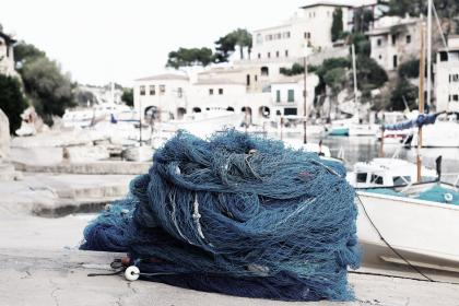 fishing net, rope, harbor, harbour, port, boats, sailing, docks, houses, city, town