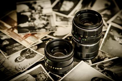 camera, lens, slr, photographs, pictures, images, people, old, vintage, black and white, memories