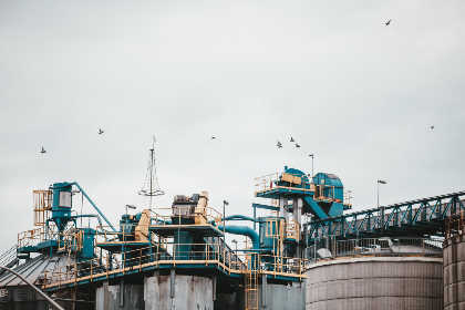 industrial,  complex,  oil,  gas,  factory,  skyline,  building,  sky,  area,  zone,  architecture,  birds,  flying,  overcast