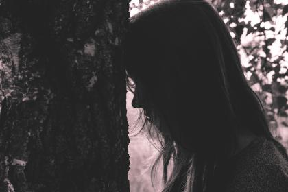 woman, girl, lady, people, side, view, profile, silhouette, shadow, nature, tree, leaves, still, bokeh, sad