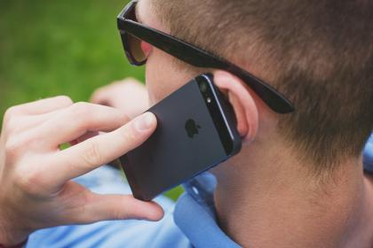 guy, man, male, people, call, technology, gadgets, iphone, smartphone, mobile, hands, head, hold, sunglasses, still, bokeh