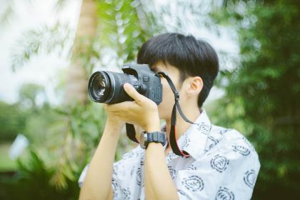 camera, lens, accessory, photography, photographer, people, guy, blur, bokeh, trees, green, plants, outdoor