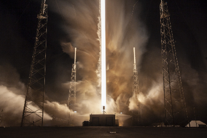 rocket,   liftoff,   smoke,   takeoff,   launch,   technology,   science,   exploration,   travel,   sky,   clouds,  launchpad,  night,  fire,  trail,  thrust