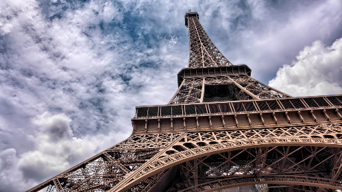eiffel,  tower,  sky,  landmark,  travel,  tourism,  vacation,  paris,  france,  french,  structure,  architecture,  clouds,  summer,  symbol,  tourist,  historic