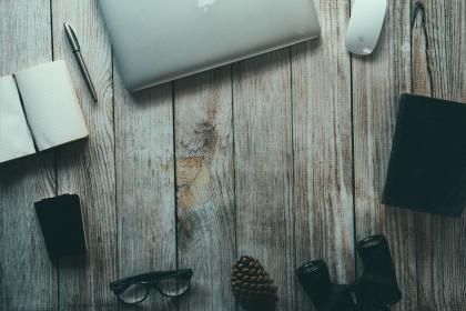 wood, notepad, pen, eyeglasses, pine cone, binoculars, macbook, laptop, computer, mouse, technology, objects