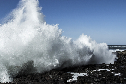 waves,   crashing,   rocks,   coast,   shore,   beach,   water,   tide,   nature,   landscape,   ocean,   sea,  sky,  powerful