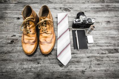 leather, shoes, boots, tie, laces, fashion, camera, dslr, pen, notepad, money, zippo, lighter, technology, wood