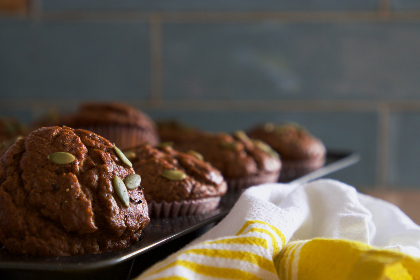 baked,   muffins,   food,   close up,   cupcake,   cloth,   cake,   breakfast,   dessert,   pastry,   homemade,   bakery,   fresh,   calories,  baking