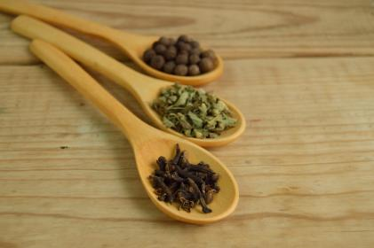 wood, spoon, condiments, utensils, ingredients, spices, table, brown