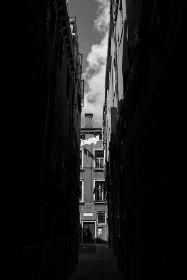 Venice, street, back & white, dark, city, travel, vacation, holiday, italy, europe, dramatic