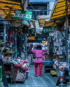 korea, market, street, seoul, travel, tourism, shop, person, busy, city, downtown, stores, vendor, culture