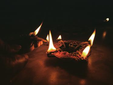 candle, light, fire, flame, dark, night, ashtray, table
