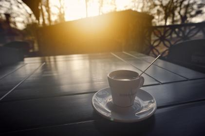 coffee, cup, saucer, table, sunset, trees, terrace, fence, sunshine, spoon