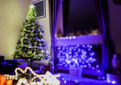 blue, lights, christmas tree, gifts, decoration, christmas, party, celebration, bokeh, window, glass, curtain