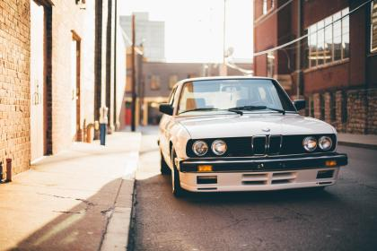 architecture, building, infrastructure, sunny, alley, street, car, vehicle, travel, trip