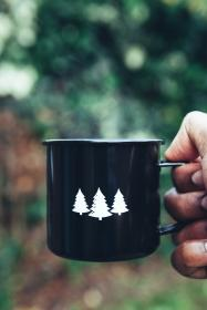 mug, hot, coffee, drink, hand, blur, bokeh, smoke, christmas, tree, logo