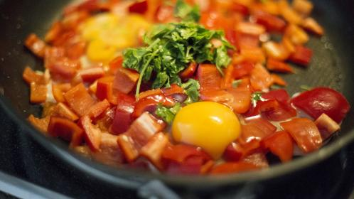 food, cook, kitchen, stir, sauté, pan, stove, raw, eggs, bell pepper, parsley