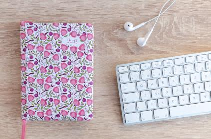 lifestyle, office, desk, notebook, planner, flowers, earphones, earpods, keyboard, business